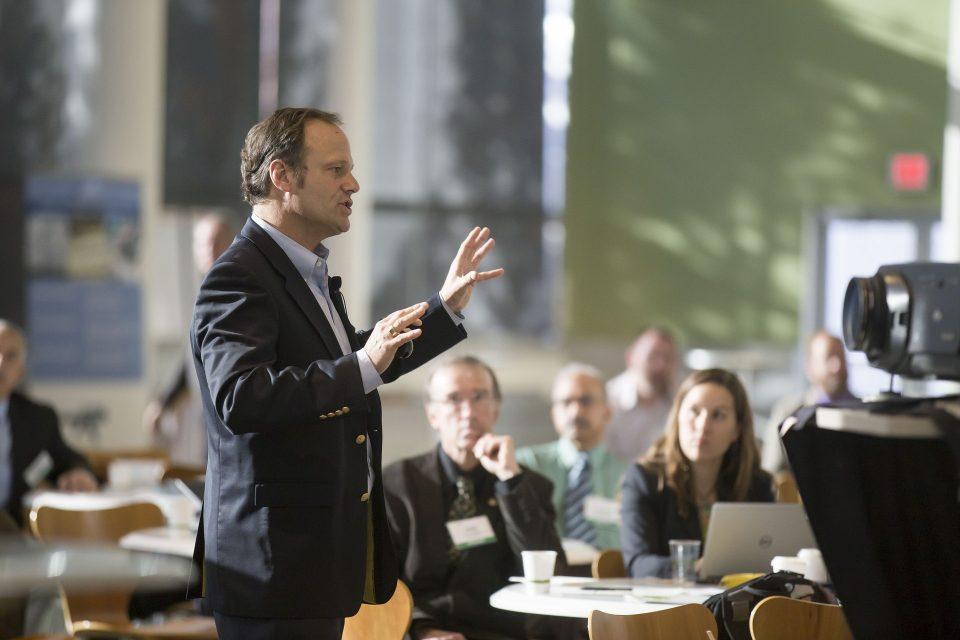 Mejora tus presentaciones hablando en público